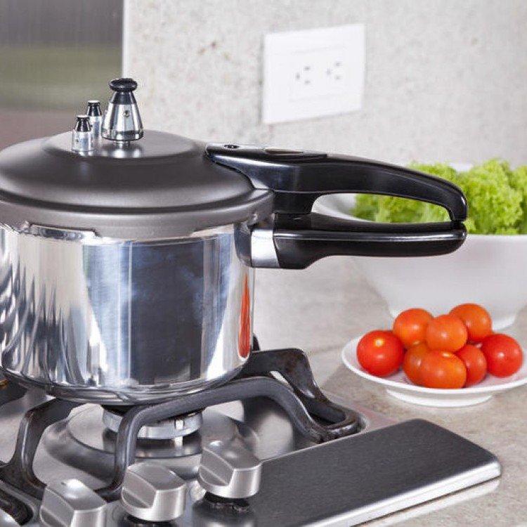 ازاي تنظفي أواني مطبخ بكل أنواعها  F0f90c10