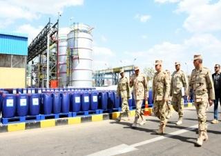 القوات المسلحة توفر المطهرات والسلع الغذائية الأساسية للمواطنين لمنع الممارسات الاحتكارية Qwatem10