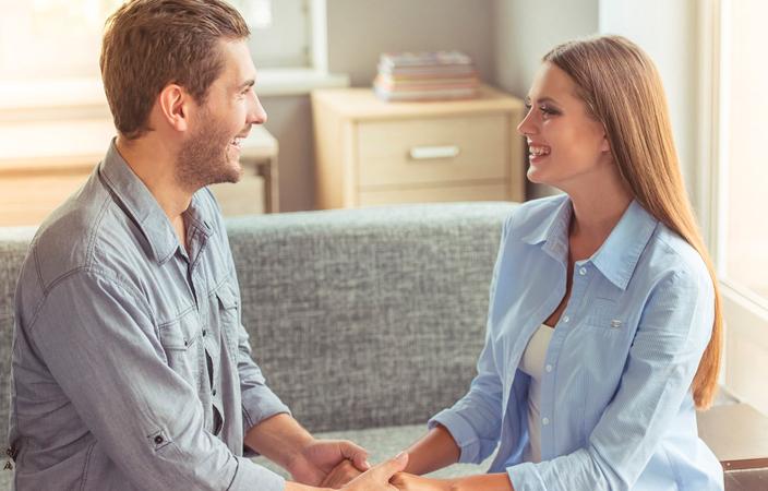 3 طرق لتحسين التواصل العاطفي مع زوجك Weddin10