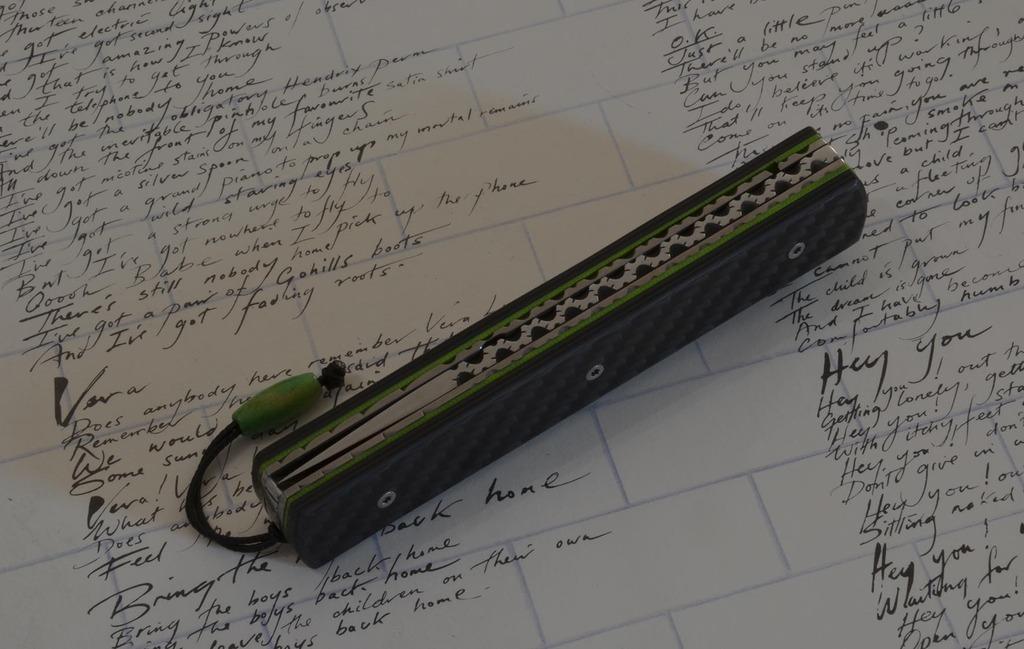 les couteaux du trefle - Page 9 Dsc_0011
