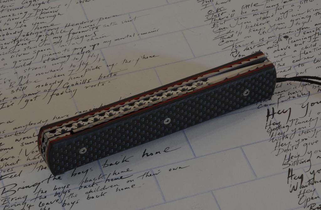les couteaux du trefle - Page 9 Dsc_0013