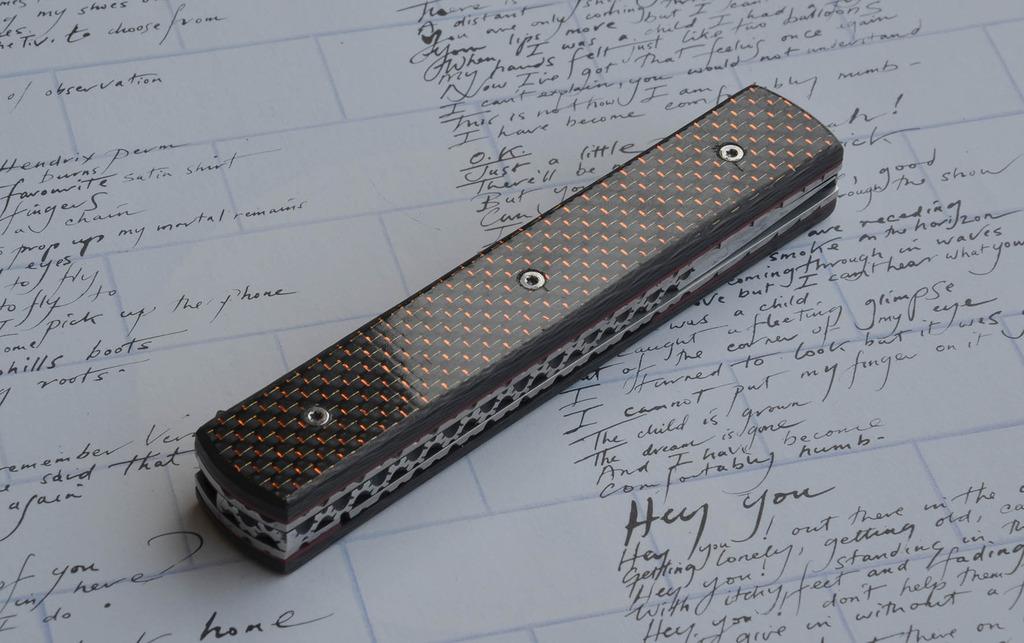 les couteaux du trefle - Page 9 Dsc_0117