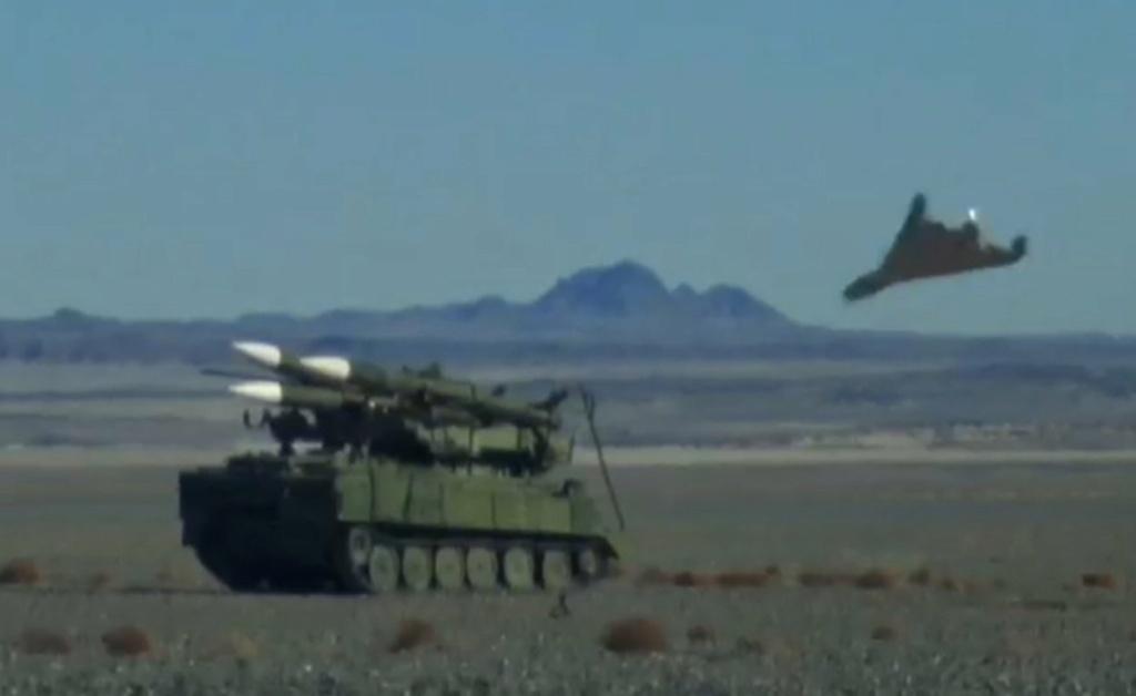 ايران تعلن عن انطلاق اكبر مناورة عسكرية كبرى بواسطة طائرات بدون طيار Erxdz610