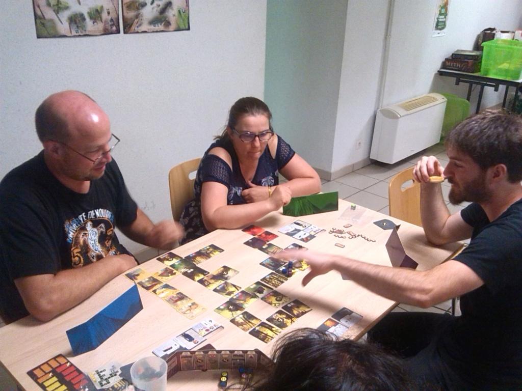 [2019] Vendredi 12 juillet: meeple, révolte toi ! (13 joueurs) Img_2041