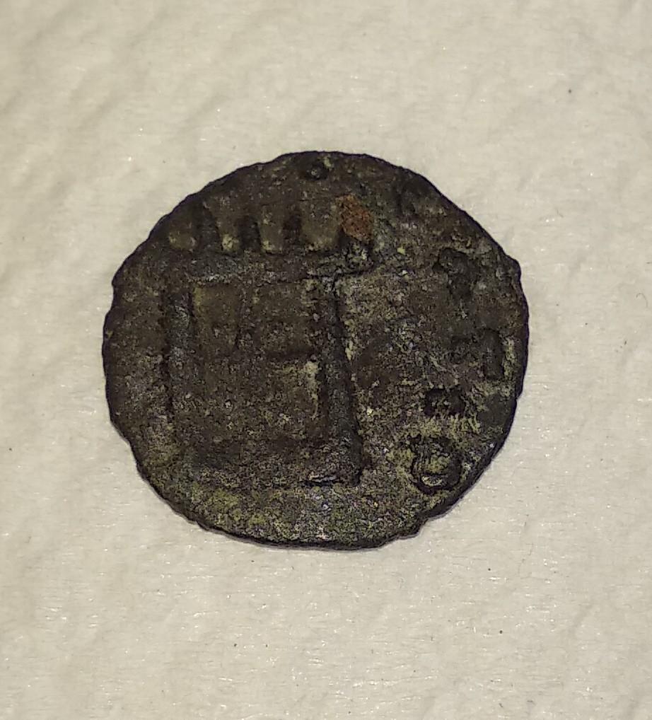 Radiado póstumo de Claudio II. CONSECRATIO. altar. (cuño hispano) Img-2010