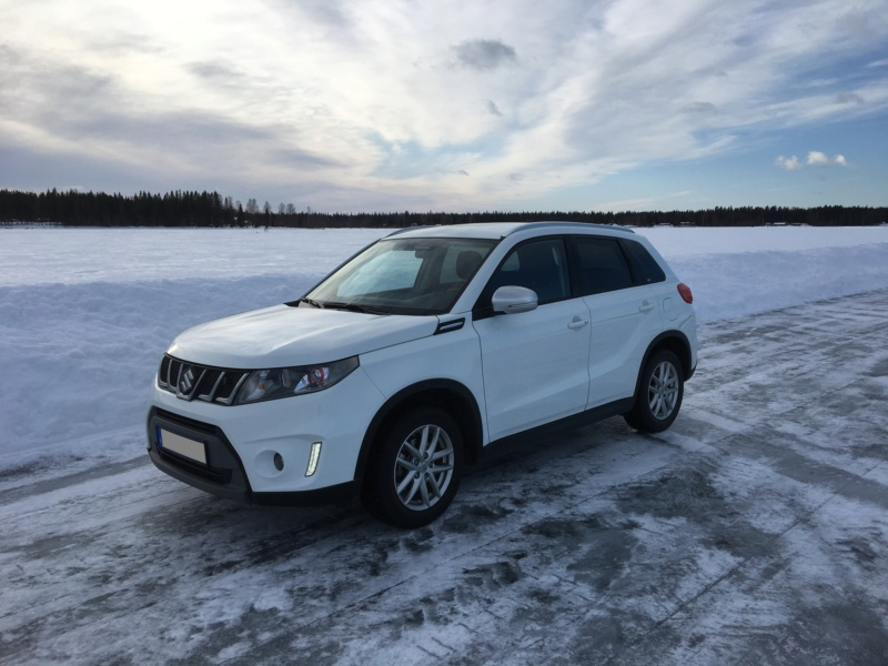 SNOW PICTURES........SHOW US YOUR VITARA! - Page 2 Car_on10