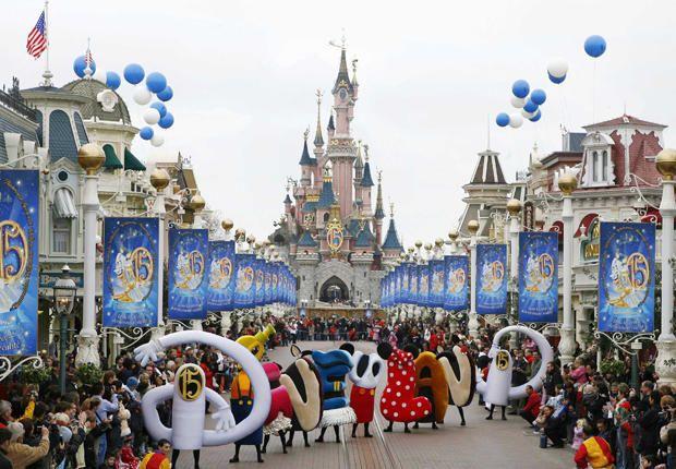 Le date storiche di Disneyland Paris - Pagina 3 711