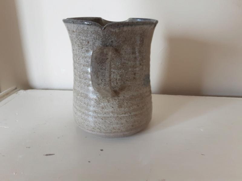Stoneware jug help to identify please 20200810
