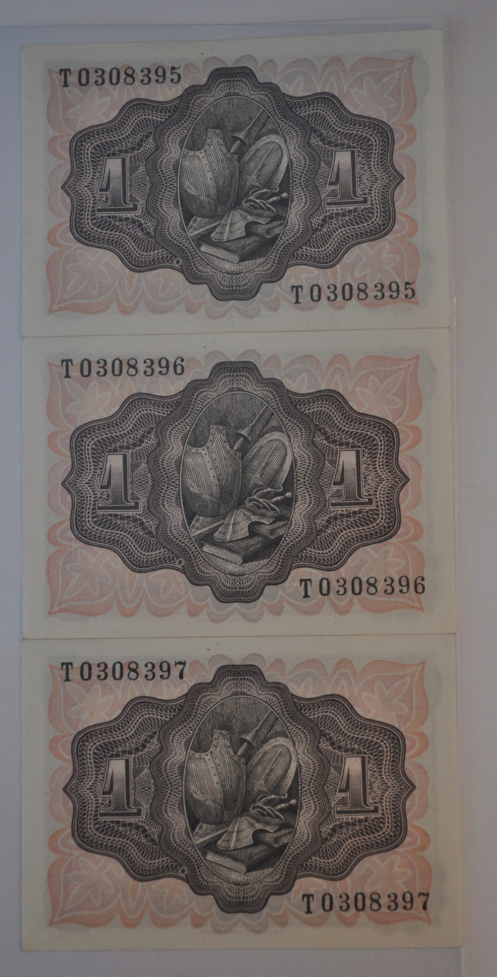 Billetes consecutivos 1 peseta 1951 serie T (última serie) Trio_110