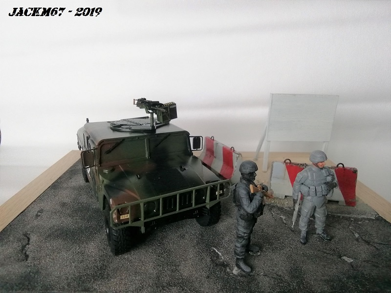 M1025 TAMIYA KFOR Humv410
