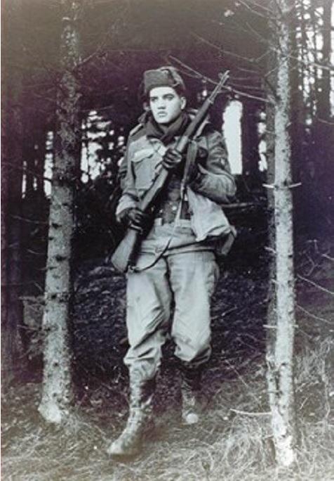 Diverses photos de la WWII (fichier 7) - Page 38 Elvis10
