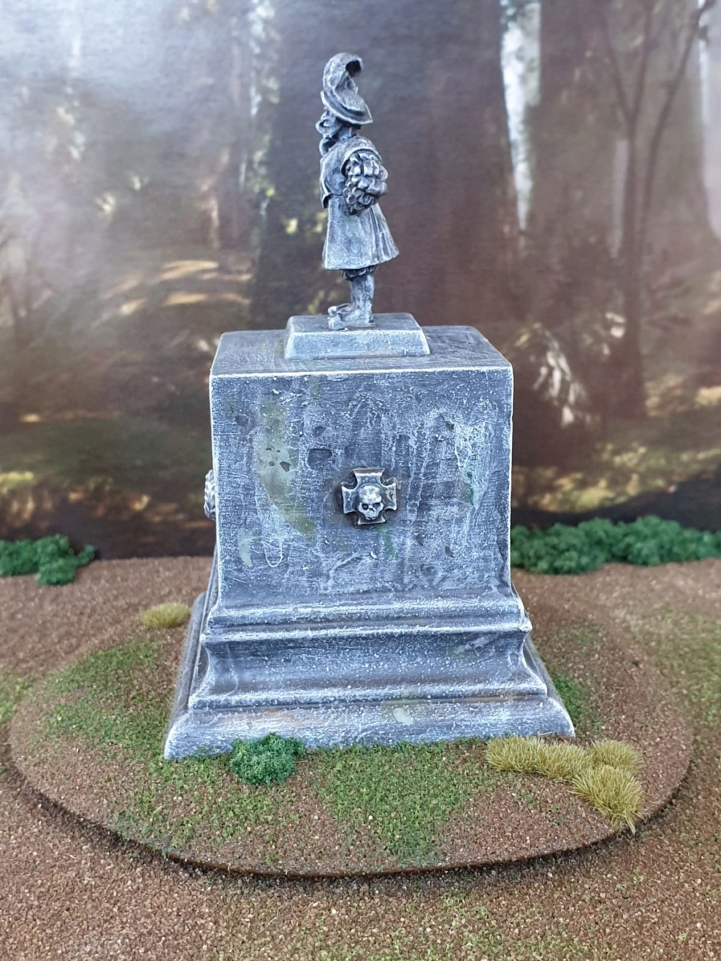 May Forum challenge: Cover and Scatter terrain entries! Statue11