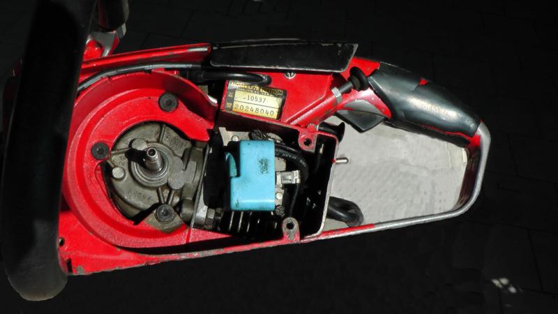 Homelite XL-Mini Automatic  avviamento difficoltoso Sotto-10