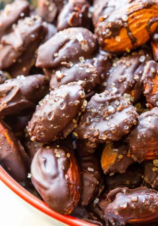 Amande au chocolat noir et sel de mer Chocol10