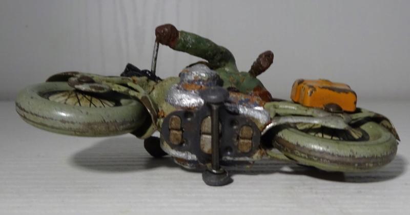 ELASTOLIN motos Dsc00322
