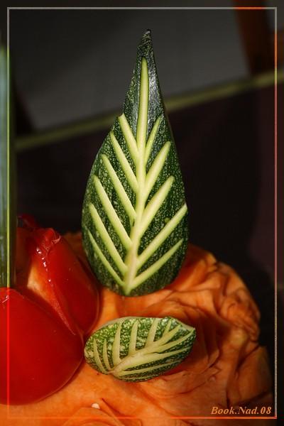 Sculpture sur fruits et légumes Img_9514