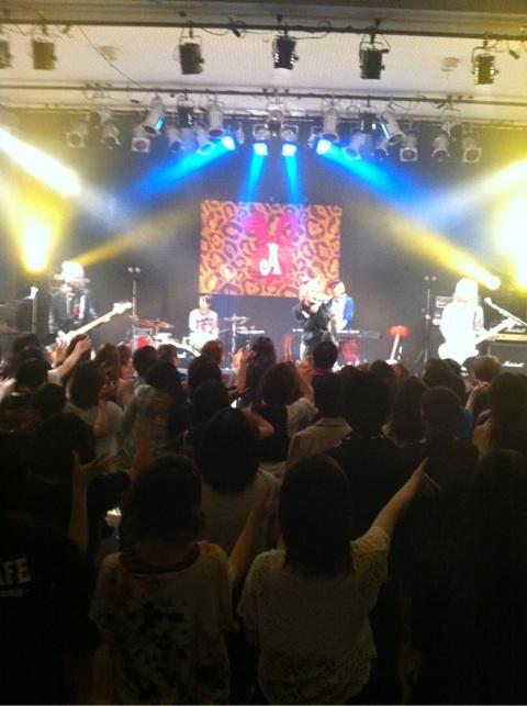 [Tournée] 10th Anniversary Year Tour !! 47 préfecturesー&final au Nippon Budokan o(≧∀≦)o - Page 3 O0480061