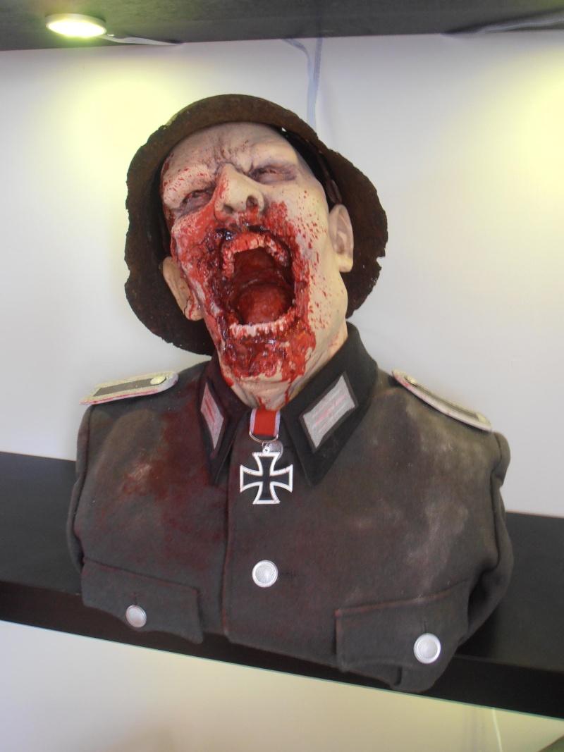mon buste zombi nazi 1:1 P6270212