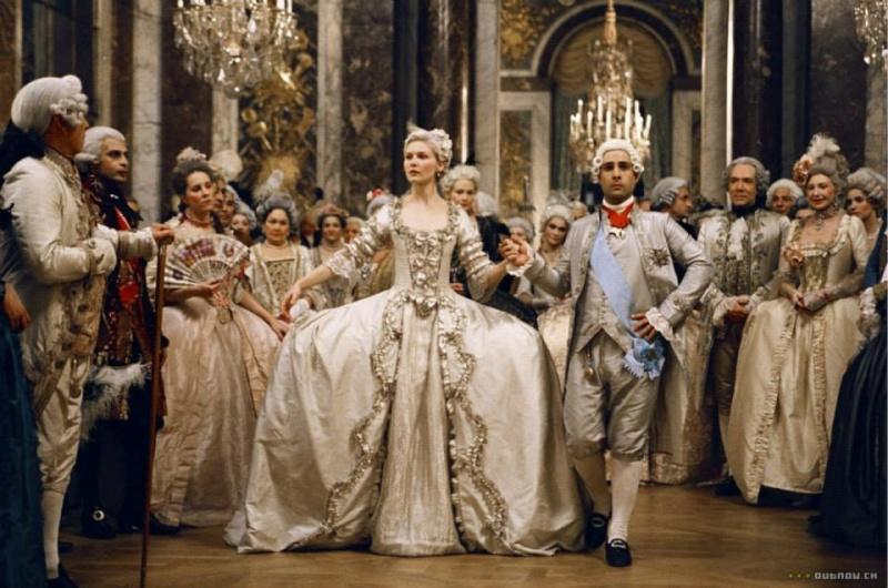 """Créations """"à la Marie-Antoinette"""" : le pire et le meilleur - Page 7 29379810"""