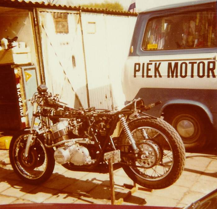 HONDA CB 750 SOHC POUTRE  Piek_h10