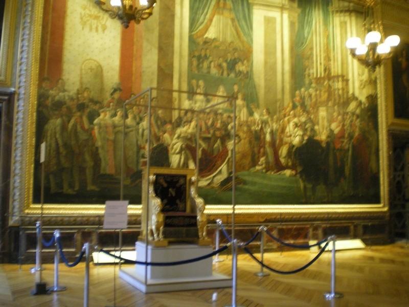 Exposition « Trônes en majesté, l'autorité et son symbole » - Page 6 Salle_10