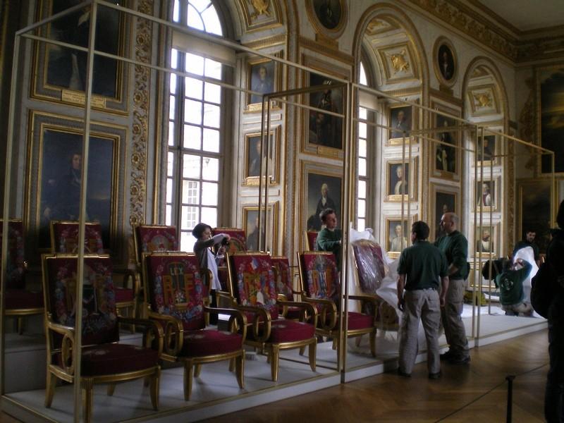 Exposition « Trônes en majesté, l'autorité et son symbole » - Page 6 Salle_13