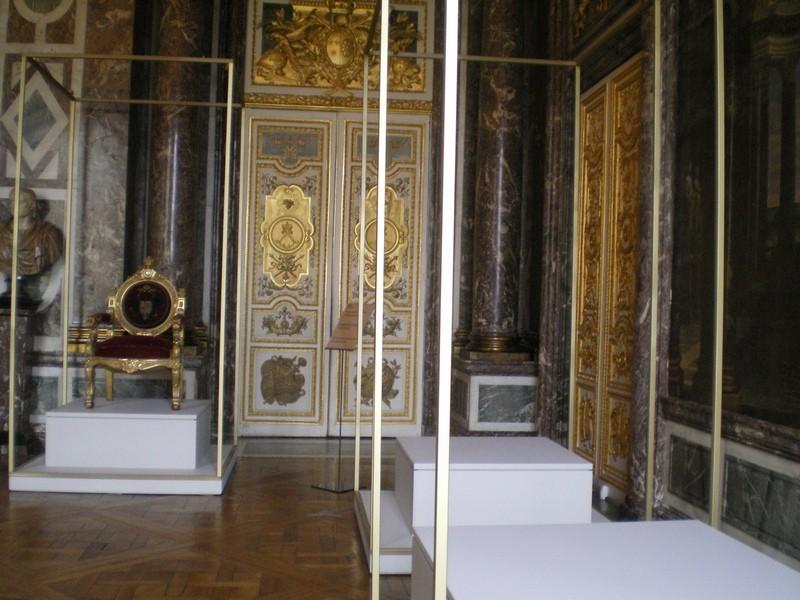 Exposition « Trônes en majesté, l'autorité et son symbole » - Page 6 Salon_18