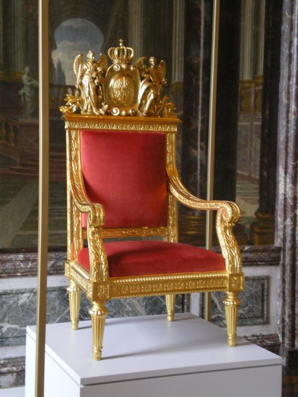 Exposition « Trônes en majesté, l'autorité et son symbole » - Page 6 Salon_22