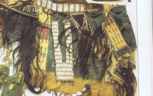 Crow Indian Tuniqu10