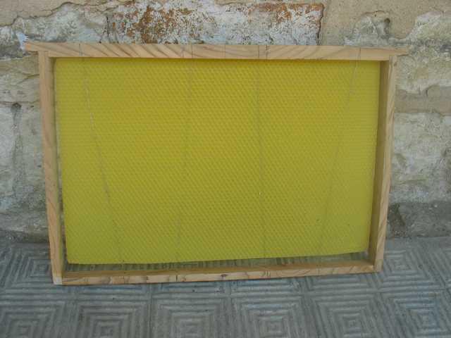 Construction de cadres de ruches  Img_1730