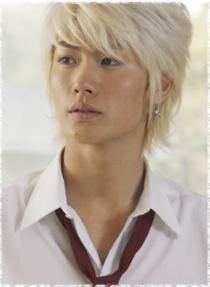 Les différentes coiffures de notre miumiu adoré =) Koizur10