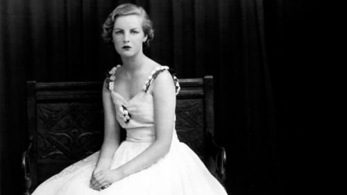 Deborah Devonshire, la dernière des soeurs Mitford.  Tumblr10