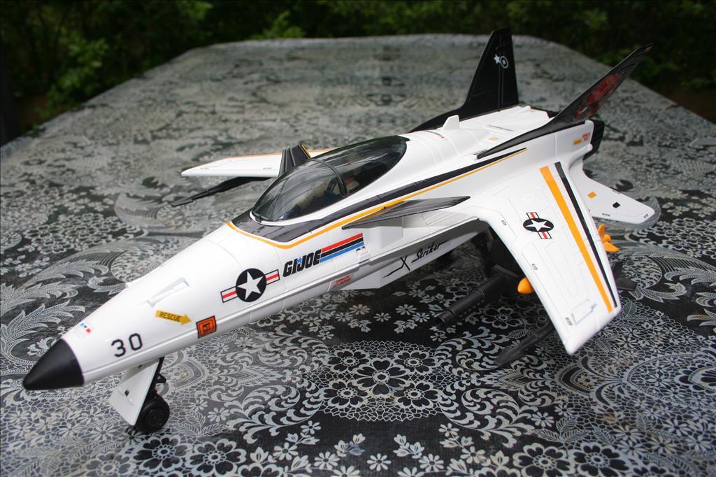 X-Striker 30 : Airplane ! Flying High Img_8943