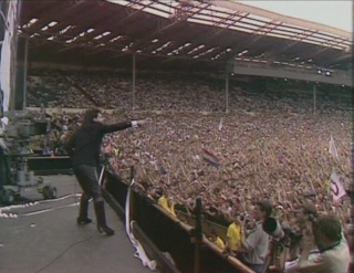 U2 - Page 2 Live_a10