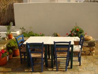 Notre Maison à Naxos  2008-190