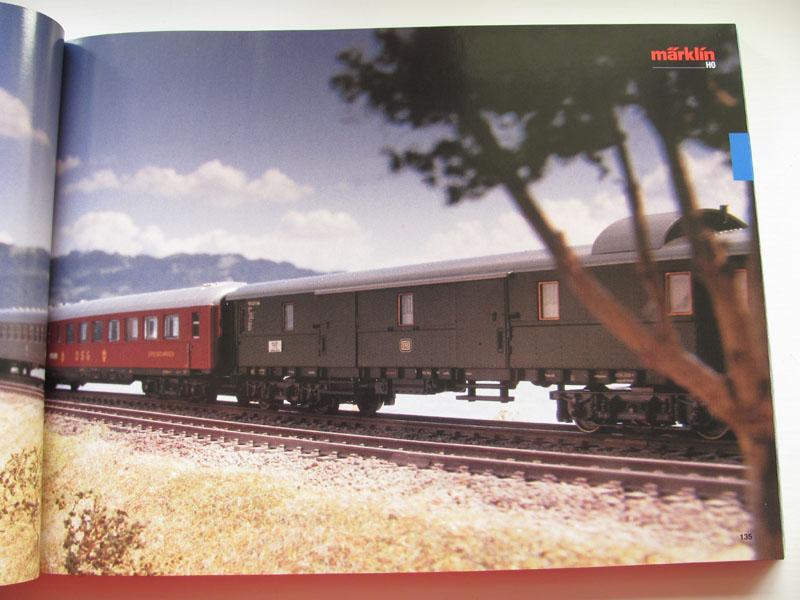 [Märklin] Catalogue 1999-2000 - Page 2 Img_0611