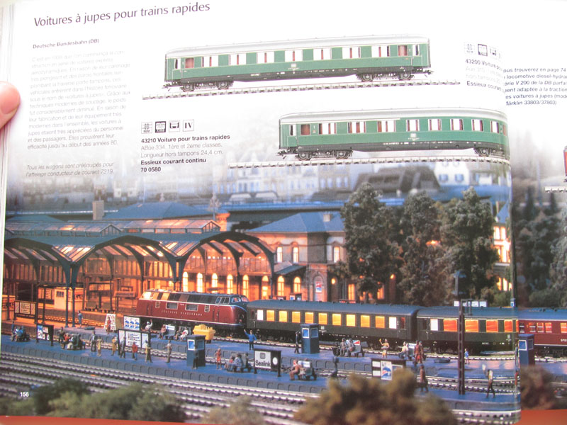 [Märklin] Catalogue 1999-2000 - Page 3 Img_0632