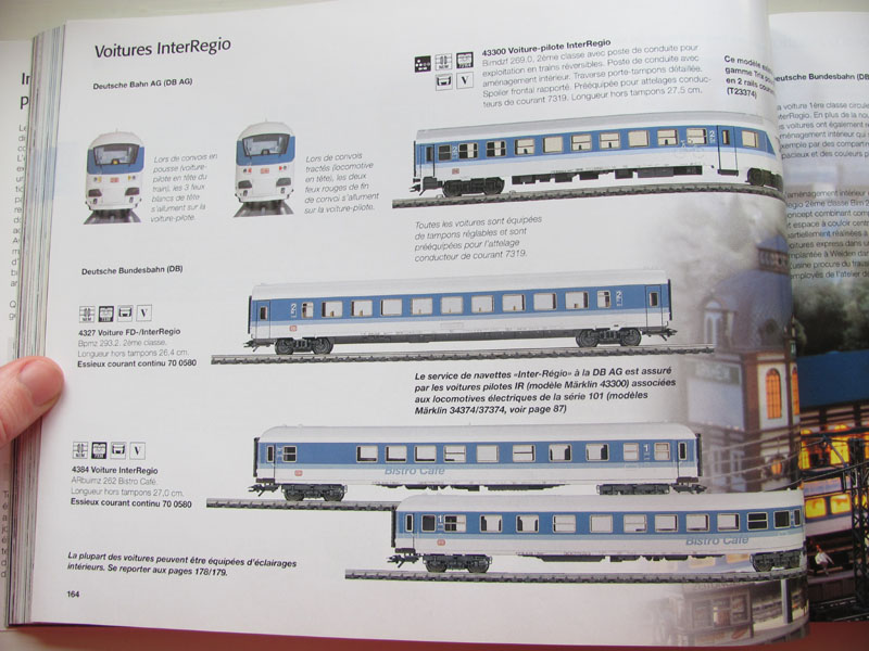 [Märklin] Catalogue 1999-2000 - Page 3 Img_0640