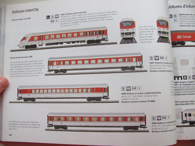 [Märklin] Catalogue 1999-2000 - Page 3 Img_0643