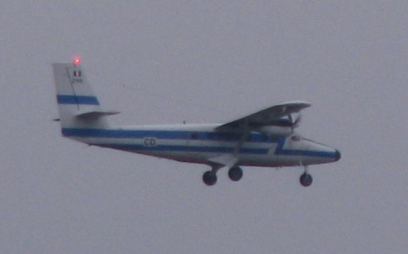 Ce avion este acesta? - Pagina 2 Pictu134