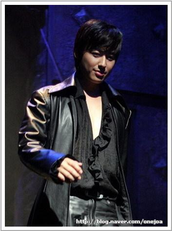 The New Musical Hamlet 005ao510