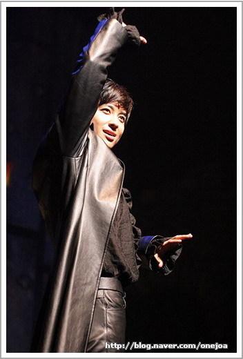 The New Musical Hamlet 006si810