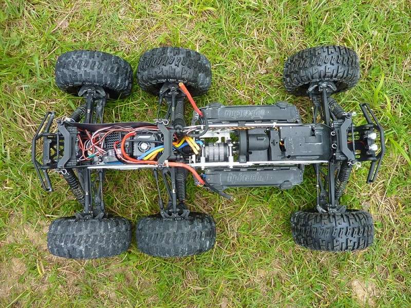 "HPI Savage 6 roues chassis ""Patoch Racing"" P1080429"