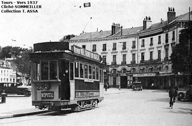 """Le tramway """"Miniart"""" Tours10"""