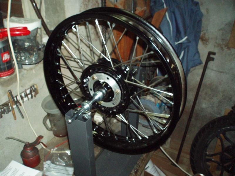 Photos roues à rayons noires Pc300110
