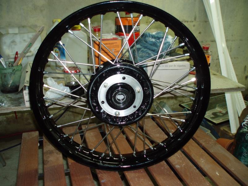 Photos roues à rayons noires Pc300111