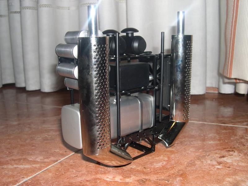 SCANIA TOPLINE R-580 CUATRO PATAS - Página 2 Dscn1714
