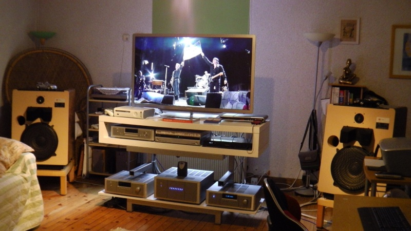 L'installation Home-Cinéma Full-JBL du père Françouè - Page 3 00910