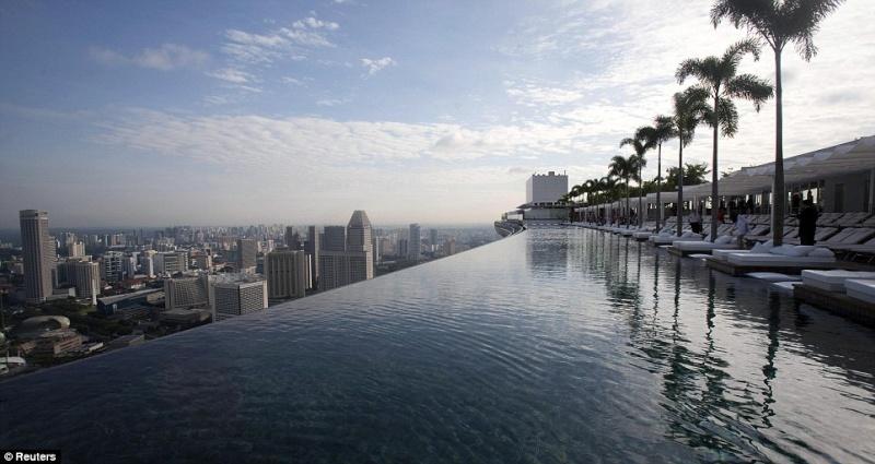 piscine a débordement a singapour Piscin12