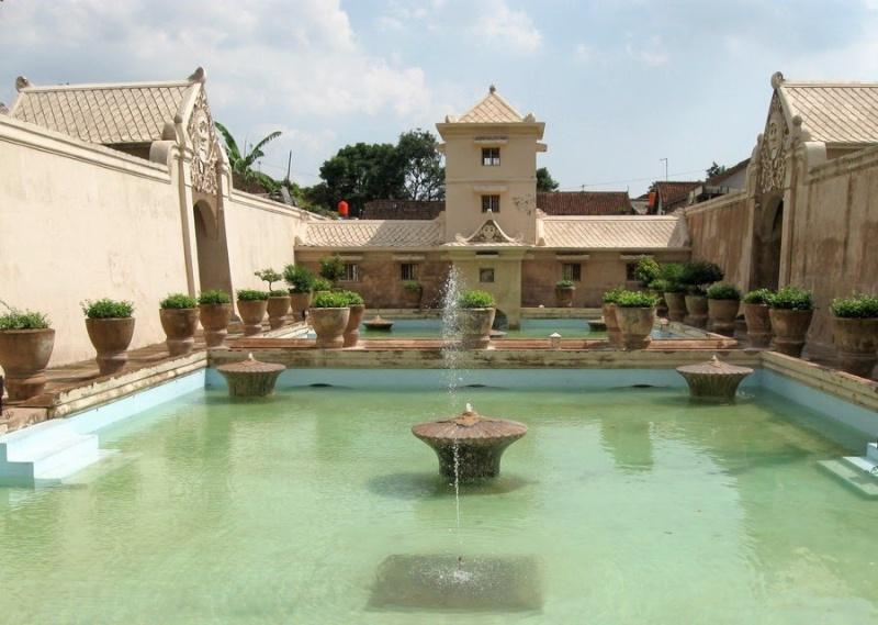 [Indonésie] - château d'eau de Tamansari (Yogyakarta) 16402310